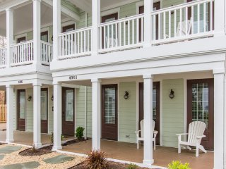 Spacious One Bedroom Townhome Near the Oceanfront