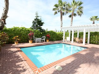 Endless Summer - Private home 50 feet to beach access