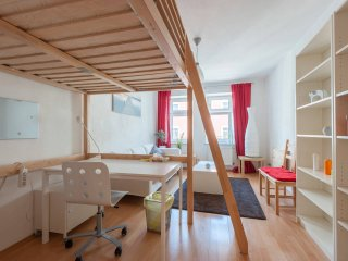 World Short Stay Apartment in Munich very central - Long Term Only!