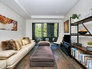 Stylish Leafy Green Fantastic Bondi Apartment BOND4