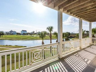 Oceanview seaside home with shared hot tub, pool, fitness center, and more!