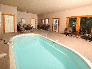 Private Indoor Pool, Community Outdoor Pool, Panoramic Views, Sleeps 40