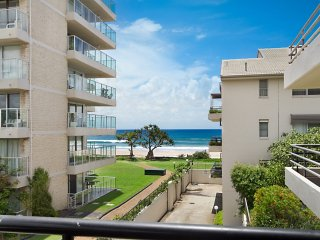 Tugun Sands 4 - Absolute Beachfront