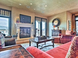 Charming Ski-In/Ski-Out Park City Condo w/Hot Tub!