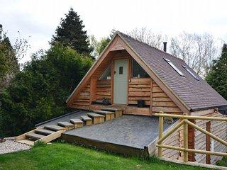 41827 Log Cabin in Bredon