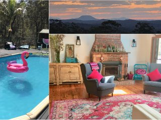 Wombat Ridge House, Pool + Cabin with views to Mt Yengo