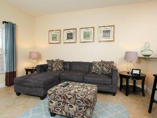 8946CUBA. 4 Bed 3 Bath Paradise Palms Luxury Townhouse