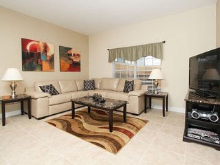8851CP. 4 Bedroom 3 Bath Town Home In The Paradise Palms Resort