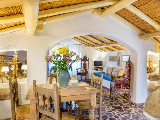 Luxury home in San Pantaleo. Casa Il Glicine