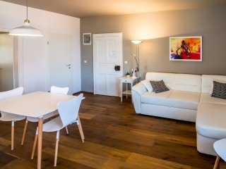 Festina Lente Fresh and bright one bedroom apartment