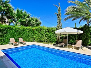Modern villa with private pool and gardens, close to the beach and within