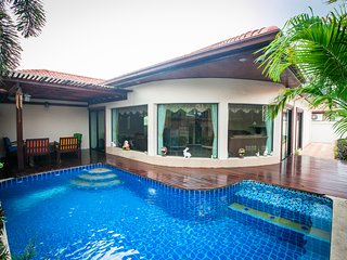 Royal Pool Villa Pattaya