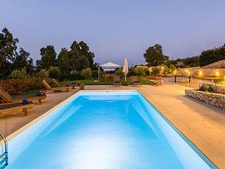 Loutraki Villas - Gaia Beachfront Residence