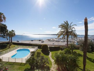 ☀ Facing the sea ☀ pool, terrace and private parking