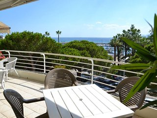 Croisette luxury apartment: magnificent 1-bedroom with panoramic sea view