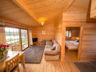 Lovely log cabin on the Somerset levels (Butterfly)