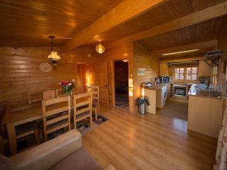 Pet friendly log cabin near Cheddar (Badger's Rest)