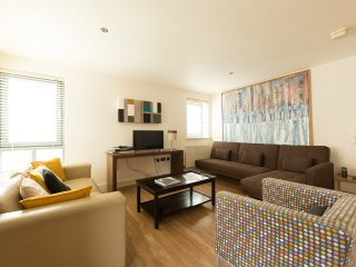 Stylish Apartment Cheltenham 4