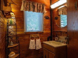 Deer Bay Hideaway cottage (#1130)