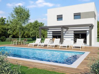 Modern and elegant Villa Mauri with Pool and BBQ