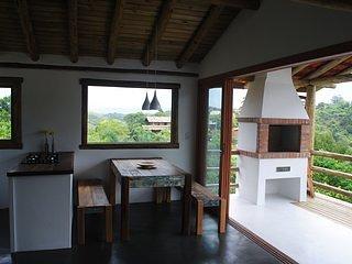 Casa Da Árvore, holiday rental in Barra de Ibiraquera