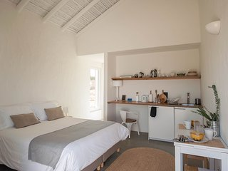 Alma Cheia Sunset Studio Apartment - in the heart of Vicentina Coast