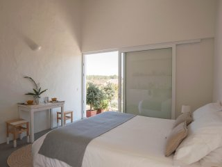 Alma Cheia Sunrise Studio Apartment - in the heart of Costa Vicentina