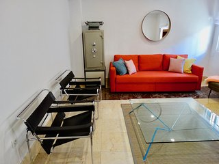 Moderno y amplio apartamento en el centro con PARKING
