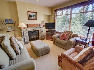 2 Bedroom Deluxe Bluff 21 at Taluswood by ResortQuest, Whistler BC