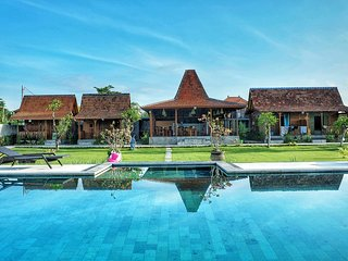 Canggu Wooden Green Paradise Rama House