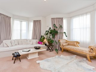 Spacious Two Bedroom Hove Seafront Apartment