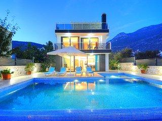 Villa Universe
