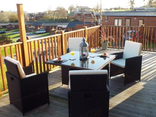 luxury 2 4 6 berth pet friendly holiday lodge c/w private Hot Tub Devon Hills