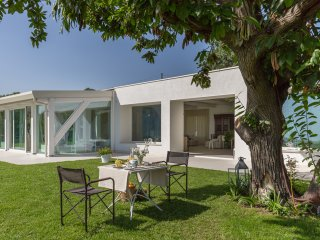 Contrada Monte Serra, modern villa with private garden and sea views