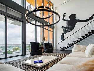 Modern Miami Penthouse With Terrance