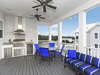 STEPS TO ROSEMARY! OPEN 3/10-17 NOW ONLY $3995 TOTAL! GULF VIEW! POOL TOO!