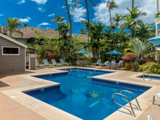 ~BEAUTIFULLY APPOINTED, RENOVATED, 5-STAR WAILEA VILLA~