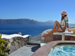 SantoriniParadise: PARADISE, outdoor Hot Tub, Caldera panorama!