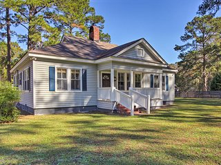 Newly Renovated 3BR Historic Richmond Hill Home!