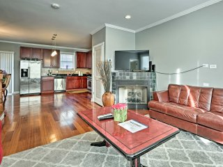 NEW! 2BR Chicago Townhome - 20 Mins to Downtown!