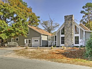 NEW! Lovely 8BR Home w/Patio - Walk to Dewey Beach