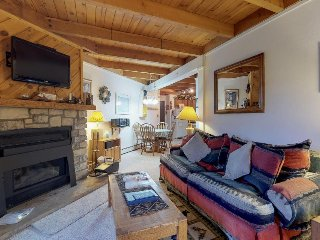 Warm, cozy condo with shared pool, hot tub, & sauna, plus ski shuttle access!