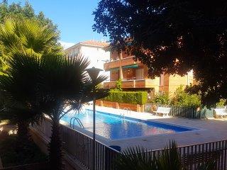 COMARRUGA PLAYA Apartamento con piscina