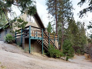 Cozy, family-friendly cabin w/ furnished deck - close to town, lake, and skiing