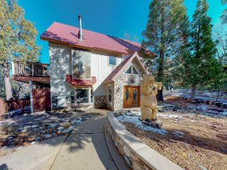 Spacious cabin w/ modern amenities & views offers nearby hiking, lake, & skiing!