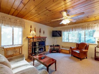 Dog-friendly cabin w/ game room & huge deck - 3 miles to Shaver Lake