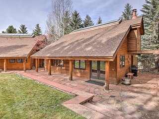 NEW! 2BR Vail House w/ Sauna - Walk to the Lifts!