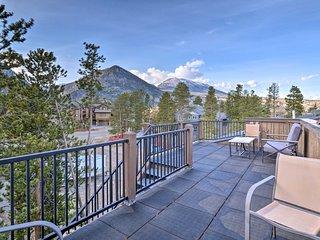 Custom-Built Frisco Home w/Rooftop Deck & 360 View