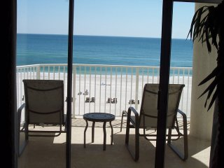Beautiful Beachfront Condo-4th Floor/Keyless/Wireless/Large Balcony/Xbox