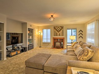 NEW! 3BR South Lake Tahoe House 15 Mins to Skiing!